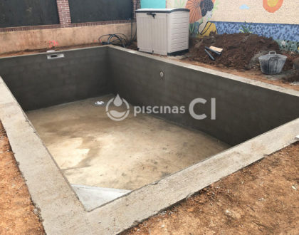 piscina-con-cesped-artificial-01