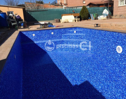 piscina-con-cesped-artificial-02