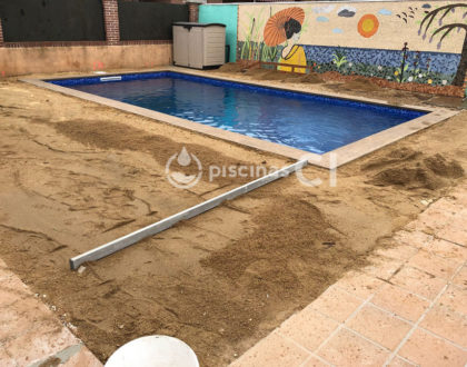 piscina-con-cesped-artificial-04